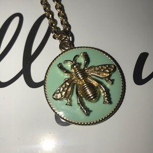 Turquoise green Queen Bee Gold Neckless
